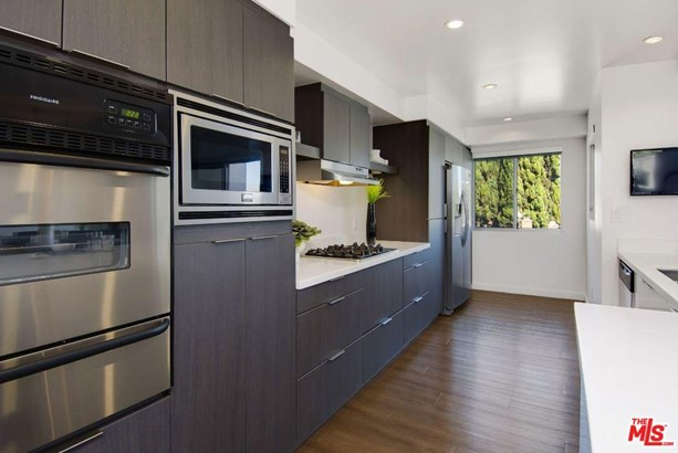 Condominium, Low Rise,Modern - Beverly Hills, CA (photo 5)