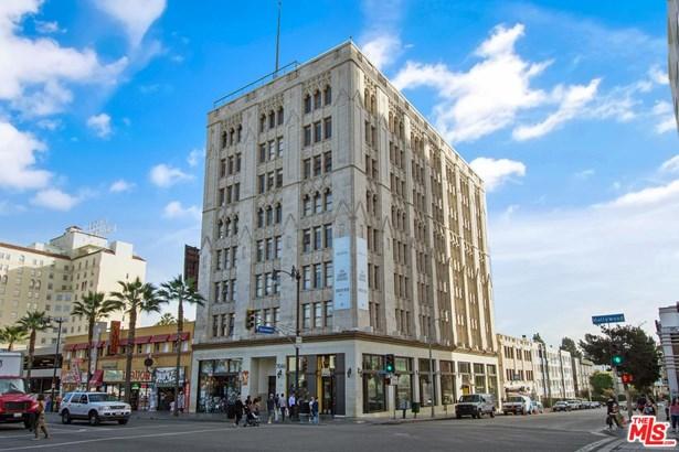 Condominium - Los Angeles (City), CA (photo 2)
