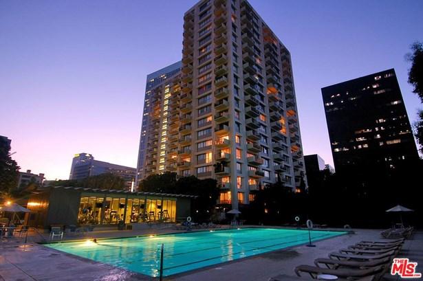 High or Mid-Rise Condo,Contemporary, Condominium - Los Angeles (City), CA