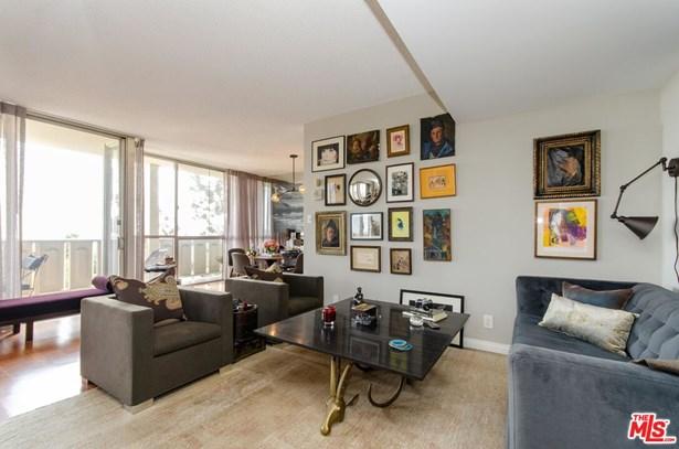 Condominium, Mid-century - Los Angeles, CA