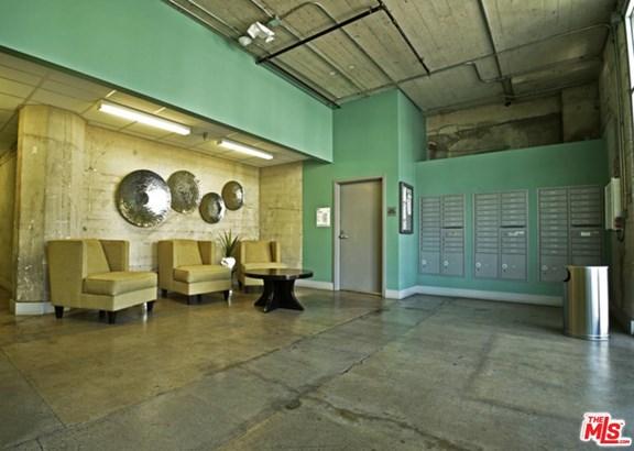 Architectural, Condominium - Los Angeles (City), CA (photo 2)