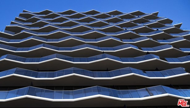 Condominium, Modern - Hollywood, CA (photo 2)