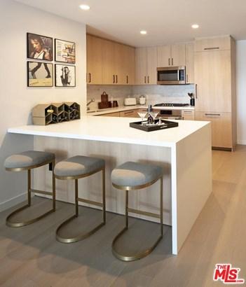 Condominium, Modern - Hollywood, CA (photo 5)