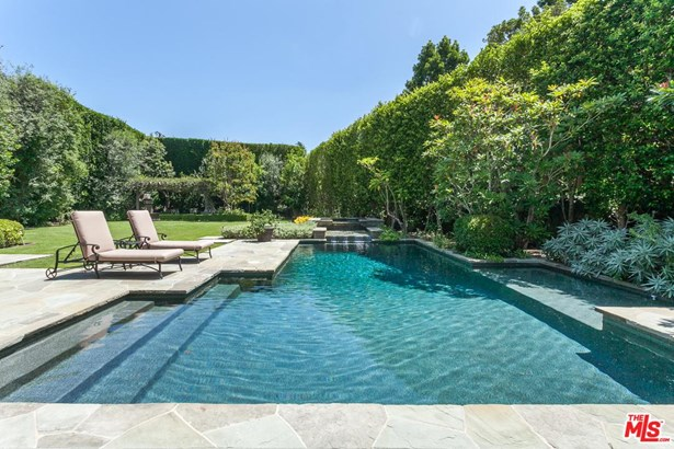 English, Single Family - Beverly Hills, CA