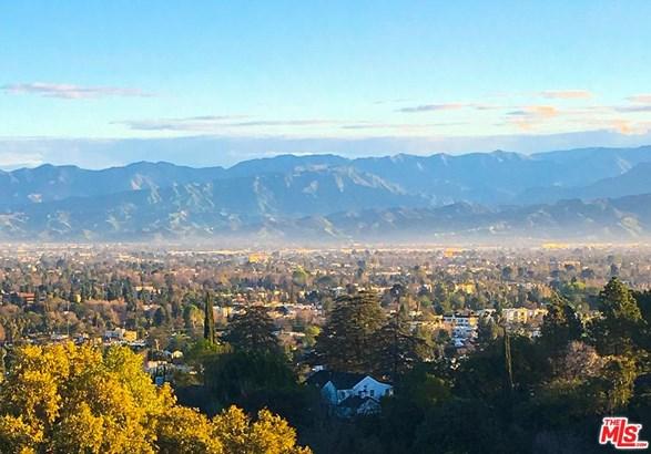 Mediterranean, Single Family - Sherman Oaks, CA (photo 2)