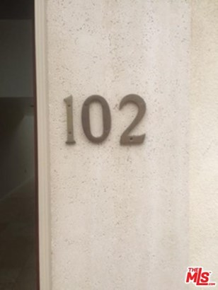 Townhouse, Contemporary - Los Angeles (City), CA (photo 3)
