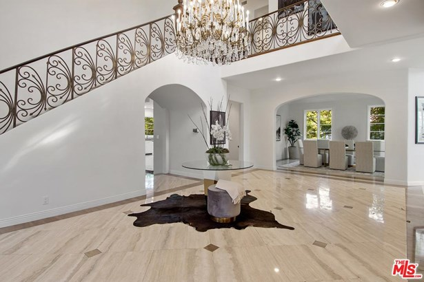 Villa, Single Family - Los Angeles (City), CA (photo 4)