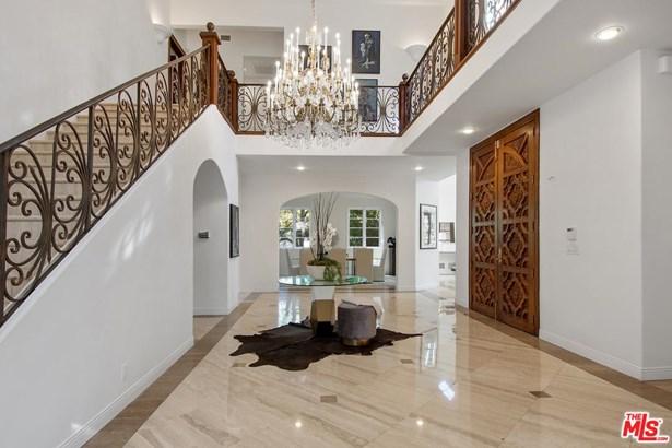Villa, Single Family - Los Angeles (City), CA (photo 5)