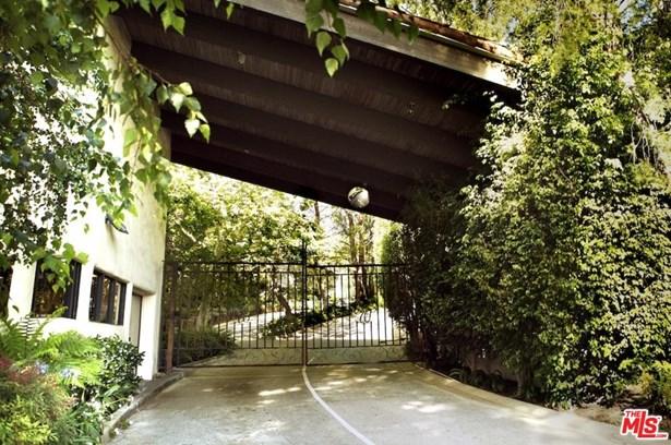 Condominium, Hacienda - Los Angeles (City), CA (photo 2)