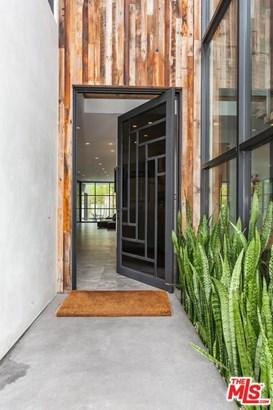 Architectural, Single Family - Los Angeles (City), CA (photo 2)