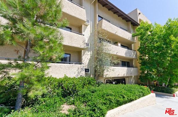 Contemporary Mediterranean, Condominium - Los Angeles, CA