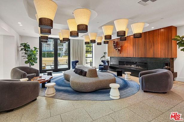 Condominium, Contemporary - Beverly Hills, CA