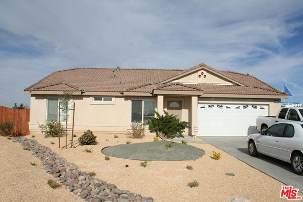 Traditional, Single Family - Victorville, CA (photo 1)