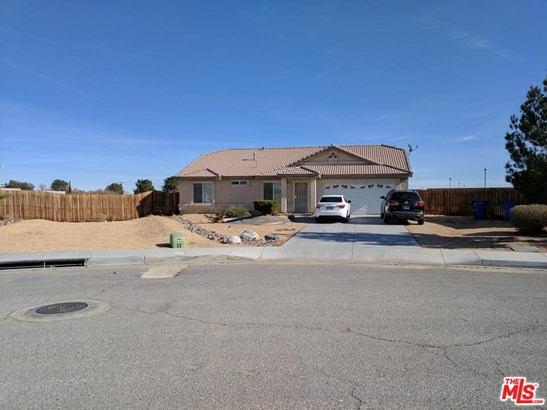 Traditional, Single Family - Victorville, CA (photo 2)