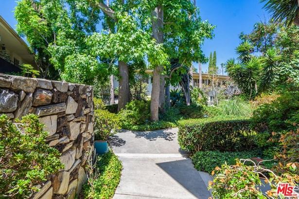Condominium, Traditional - Los Angeles (City), CA (photo 3)
