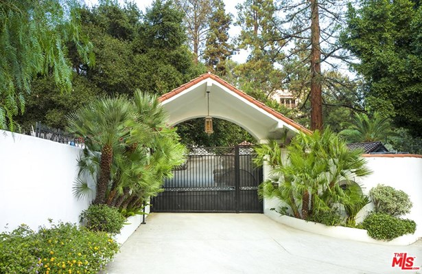 Mediterranean, Single Family - Los Angeles (City), CA (photo 3)