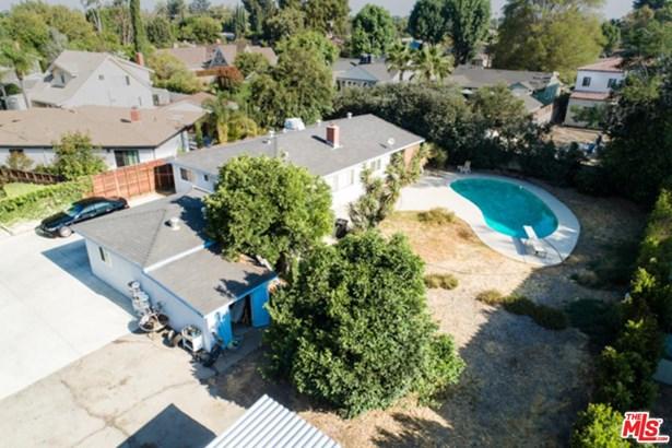 Contemporary, Single Family - Valley Village, CA