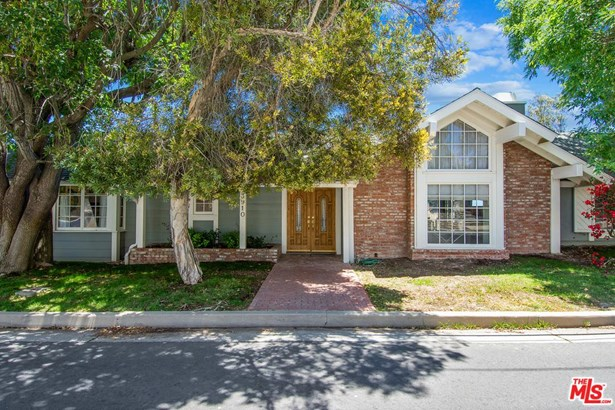 Traditional, Single Family - Sherman Oaks, CA