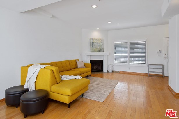 Townhouse, Modern - Toluca Lake, CA (photo 3)