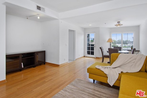 Townhouse, Modern - Toluca Lake, CA (photo 5)