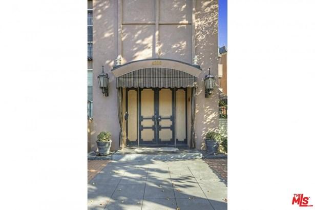 Condominium, Contemporary - Studio City, CA (photo 3)