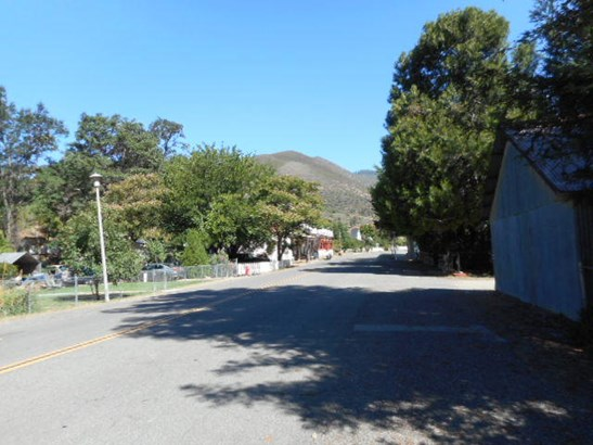 Ranch, Single Family - French Gulch, CA (photo 2)