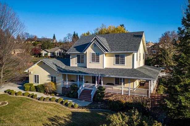 Colonial,Contemporary, Single Family - Redding, CA