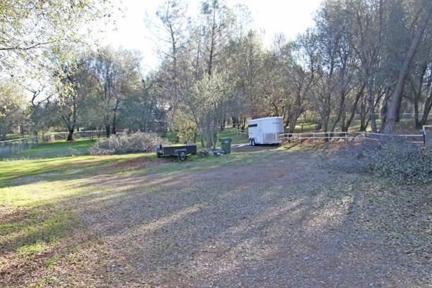 Acres - Redding, CA (photo 4)