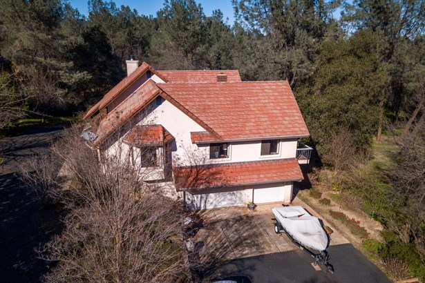 Spanish, Single Family - Redding, CA (photo 1)