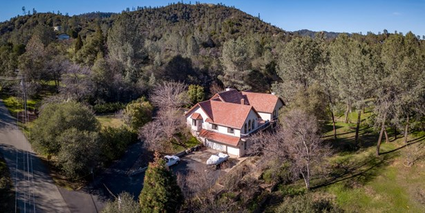 Spanish, Single Family - Redding, CA (photo 4)