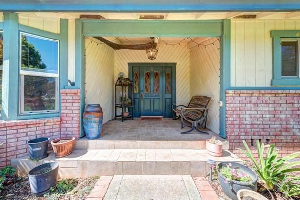 Ranch, Single Family - Redding, CA (photo 2)