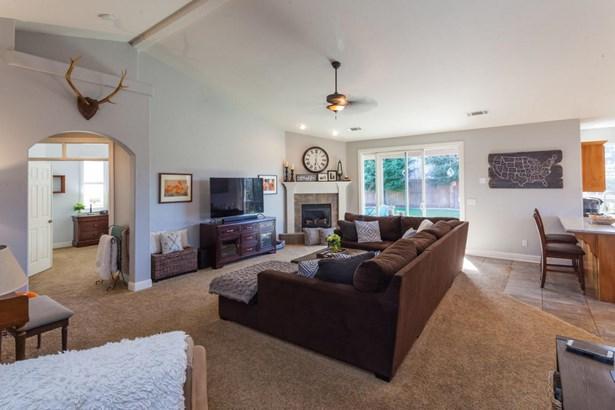 Contemporary, Single Family - Redding, CA (photo 5)