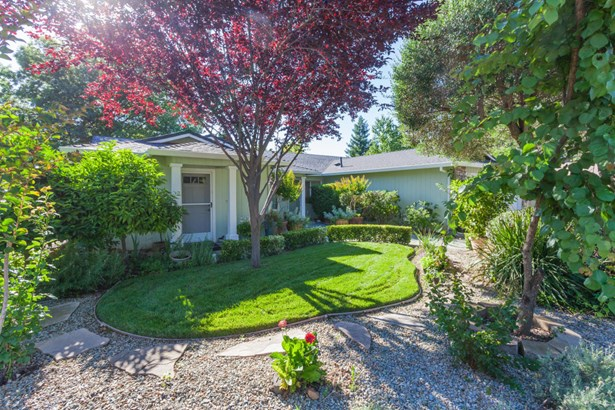 Traditional, Single Family - Redding, CA (photo 1)