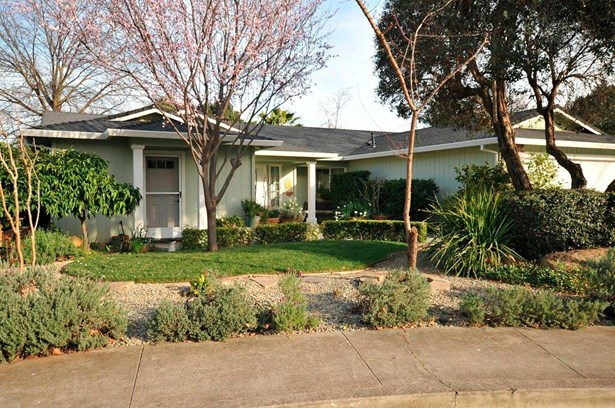 Traditional, Single Family - Redding, CA (photo 2)