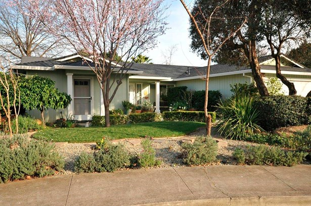Traditional, Single Family - Redding, CA (photo 3)
