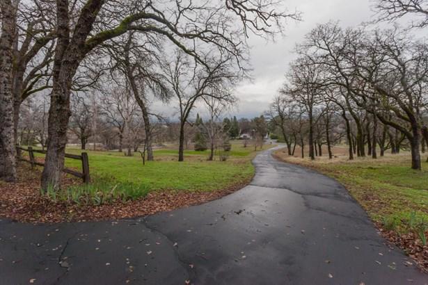 Ranch,Traditional, Single Family - Bella Vista, CA (photo 3)