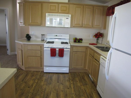 Mobile Home, Double - Redding, CA (photo 1)