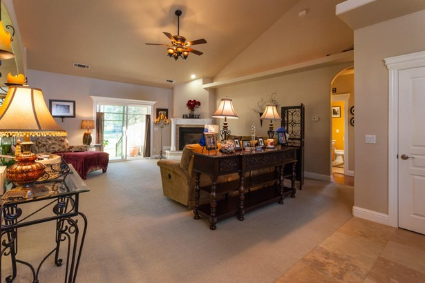 Traditional, Single Family - ANDERSON, CA (photo 4)