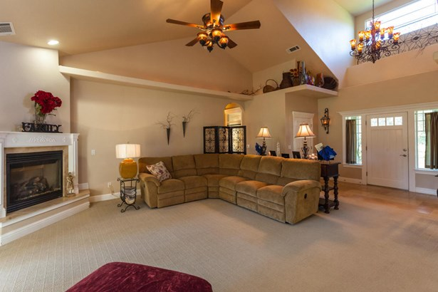 Traditional, Single Family - ANDERSON, CA (photo 5)