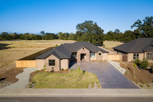 Traditional, Single Family - Palo Cedro, CA (photo 1)