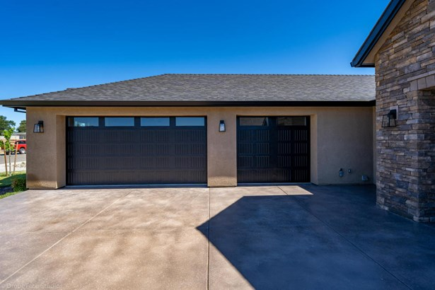 Traditional, Single Family - Palo Cedro, CA (photo 3)