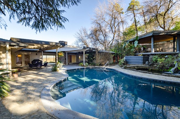 Bungalow,Contemporary, Single Family - Redding, CA (photo 1)