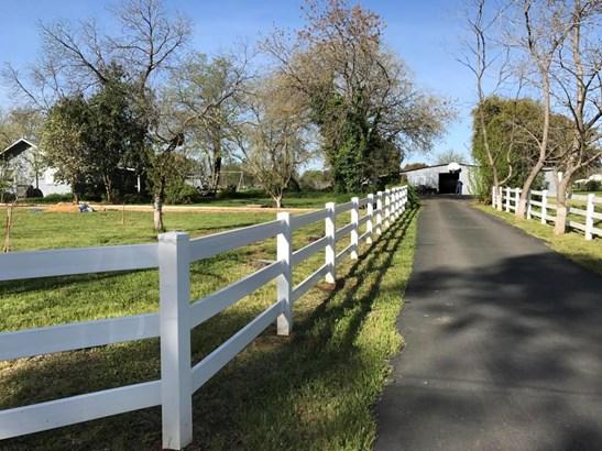 Ranch, Single Family - Anderson, CA (photo 2)