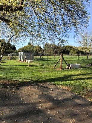 Ranch, Single Family - Anderson, CA (photo 4)