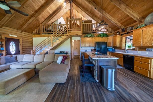 Log, Single Family - Redding, CA (photo 3)