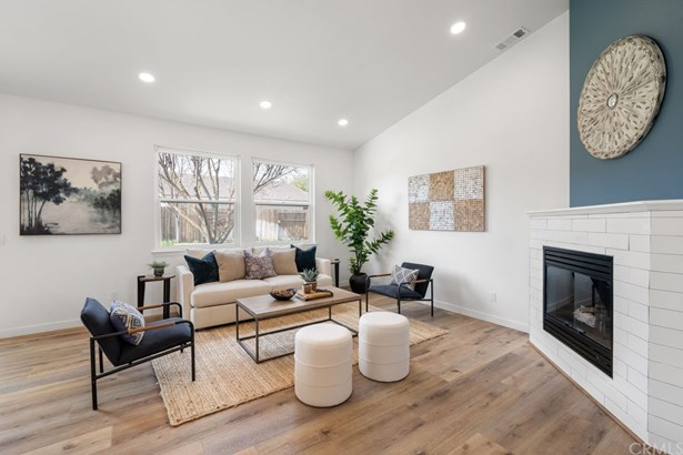Single Family Residence - Templeton, CA