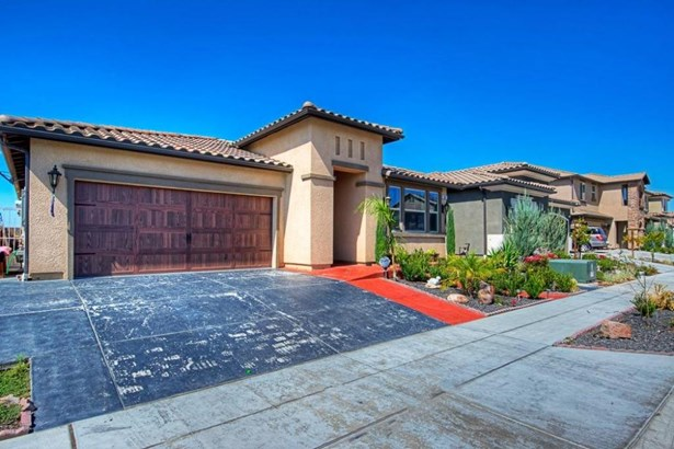 5667 N Tisha Avenue, Fresno, CA - USA (photo 4)