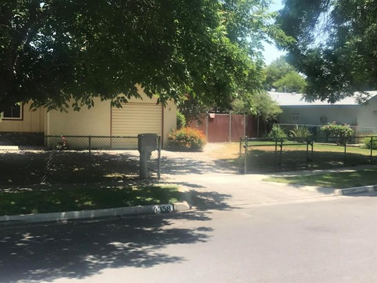 4358 N Pleasant Avenue, Fresno, CA - USA (photo 2)