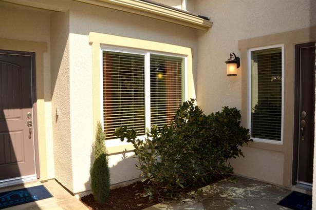 2546 N Fulgham Court 40, Visalia, CA - USA (photo 5)