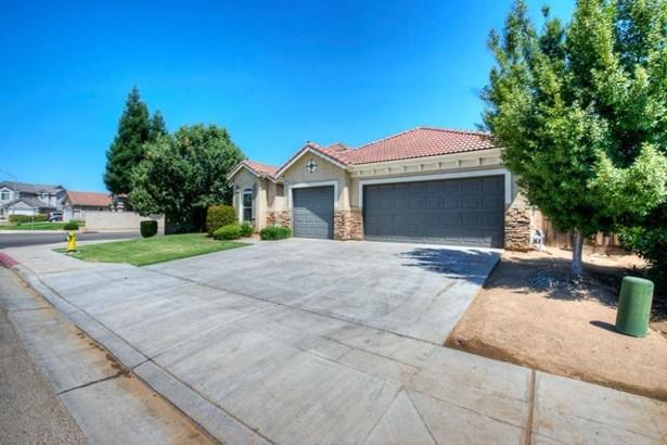 665 W Fremont Avenue, Clovis, CA - USA (photo 2)